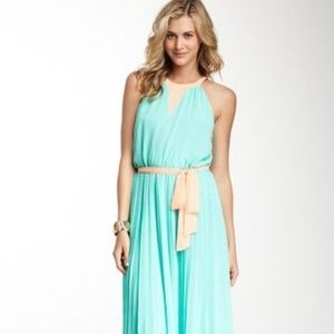 Blue maxi dress with pleats
